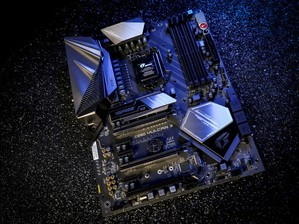 iGame Z390 Vulcan X���忪��ͼ��