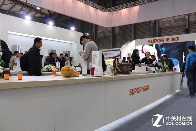 苏泊尔推出众多新品 智慧厨房亮相AWE